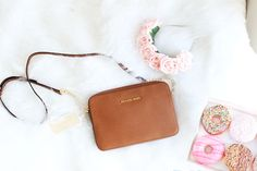 Michael Kors Jet Set Travel small textured-leather shoulder bag buy brown
