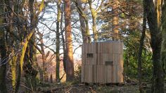 This is The Stargazer, a Micro Cylinder Room in the Woods designed for — you guessed it — stargazing! This adorable tiny space includes nothing more than a huge skylight, two comfy chai…