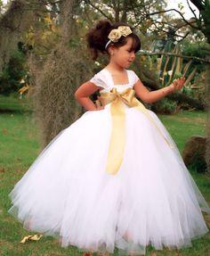 Resultado de imagen para vestidos de tul para niña de color blanco