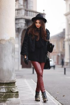 I was wearing: Sheinside: eco leather pants, Sheinside: black sweater, Sheinside: faux fur, Chloe: ankle boots, Oasap: hat, Primark: gloves, Pandora & Monica Vinader: bracelet, Daniel Wellington: Classic Bristol watch, Jadu bag