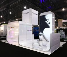Custom displays by E&E Exhibit Solutions