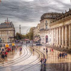 Place de la Comédie, Bordeaux To learn more about #Bordeaux, click here: http://www.greatwinecapitals.com/capitals/bordeaux