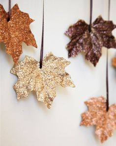 DIY this glittery leaf garland for fall., DIY this glittery leaf garland for fall. DIY this glittery leaf garland for fall. DIY this glittery leaf garland for fall. Navidad Diy, Navidad Ideas, Ideias Diy, Leaf Garland, Fall Garland, Diy Garland, Banister Garland, Pinecone Garland, Party Garland