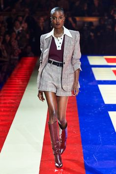 Tommy Hilfiger Spring 2019 Ready-to-Wear Fashion Show - Vogue Fashion Week, Diy Fashion, Runway Fashion, Fashion Brands, Womens Fashion, Fashion Top, Fashion 2018, Tommy Hilfiger, Zendaya