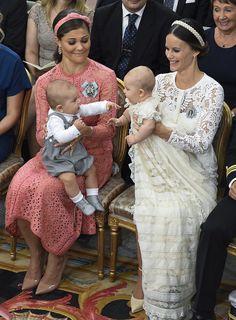 Kroonprinses Victoria bij de doop van prins Alexander