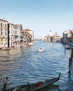 "Venezia - Canal Grande, Venezia 🛶 #canalgrande #venezia #venice #grandcanal #sunset"" Venice Travel, Grand Canal, Journey, Spaces, Sunset, Happy, Instagram, Sunsets, Ser Feliz"