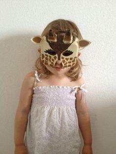 DIY Egg Carton Giraffe mask - Easy Tutorial