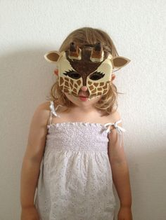 DIY Egg Carton Giraffe mask - Easy Tutorial