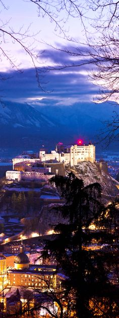 Scenic Castle Hohensalzburg at Sunset - Salzburg Austria   |   The 20 Most Stunning Fairytale Castles in Winter