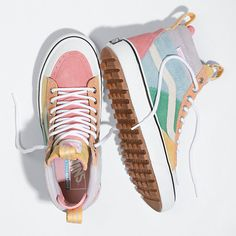 Browse bestselling Shoes at Vans including Women's Classics, Slip-On, Surf and Sandals. Shop at Vans today! Hype Shoes, Women's Shoes, Me Too Shoes, Shoes Sneakers, Cool Vans Shoes, Shoes Style, Good Shoes, Vans Custom Shoes, Cute Shoes Boots