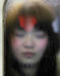 Michael Wolf photographie le claustrophobique métro de Tokyo