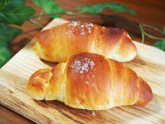 塩パンはオーストリア発祥?愛媛から人気が広がった塩バターロールについてご紹介します。