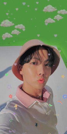 Hoseok Bts, Bts Bangtan Boy, Seokjin, Foto Bts, Bts Photo, Baby Animals, Funny Animals, Jhope Cute, Aesthetic Pastel Wallpaper