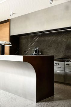 Classic Style Kitchen Furniture Timeless Furniture For Your Home Home Decor Kitchen, Interior Design Kitchen, Modern Interior Design, Kitchen Furniture, Modern Decor, Interior Architecture, Historical Architecture, Monochrome Interior, Kitchen Country