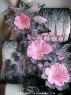 Gallery.ru / Фото #126 - COMPLETE SETS (КОМПЛЕКТЫ) - renew Nuno Felting, Needle Felting, Felt Flowers, Fabric Flowers, Handmade Felt, Leather Bags Handmade, Felt Crafts Patterns, Felt Coasters, Wool Quilts