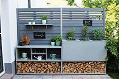 Garden Decoration Ideas Outdoor - Früchte im Garten Back Gardens, Outdoor Gardens, Summer Decoration, Home Decoration, Outdoor Kitchen Bars, Outdoor Kitchens, Diy Inspiration, Outdoor Living, Outdoor Decor