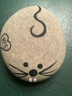 DIY Easy Animal Painted Rocks Ideas to Make Nice Painting rocks/Stone Art For Beginner Painted Rock Animals, Painted Rocks Craft, Hand Painted Rocks, Painting Animals On Rocks, Painted Stones, Rock Painting Patterns, Rock Painting Ideas Easy, Rock Painting Designs, Pebble Painting