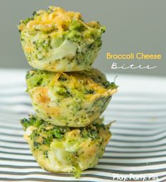 These broccoli cheese bites are the perfect side to bake up for a brunch or baby shower! They're like a little mini quiche and one of the tastiest broccoli cheese recipes that doesn't use Velveeta. I' (Broccoli Cheese Muffins) Vegetable Recipes, Vegetarian Recipes, Healthy Recipes, Broccoli Recipes, Baby Food Recipes, Cooking Recipes, Cheese Recipes, Picnic Recipes, Picnic Ideas