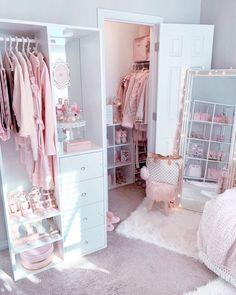 The Owner: Hesho Hama Rashid 🧿 ( Bedroom Decor For Teen Girls, Cute Bedroom Ideas, Cute Room Decor, Girl Bedroom Designs, Teen Room Decor, Room Ideas Bedroom, Small Room Bedroom, Pink Bedrooms, Stylish Bedroom