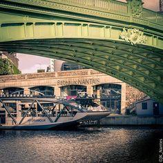 Bateaux Nantais - Nantes . . . #Nantes #capture_today #ig_worldclub #streetphotography #citybestpics  #paysdelaloire #urbanphotography @jk_nantes #jardin #voyage #paysdelaloire #igersfrance #instanantes #liveauthentic #topfrancephoto #igrecommend #igersnantes #citylife #amazing #instantesvisuales @jk_nantes #citypicz #igworldclub #shootermag #photoofday #loireatlantique #bretagne #gf_france #summer #france_photolovers #igerseurope #topphoto Nantes France, Top Photos, Marina Bay Sands, Mansions, House Styles, Building, Amazing, Instagram Posts, Travel