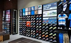 Shoe sneaker wall display shelves for home customized shelving mount . Foot Locker, Shoe Store Design, Shoe Display, Display Shelves, Shoe Wall, Interior Design Images, Kids Room Wallpaper, Retail Concepts, Running Shops