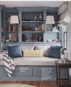 Country Living Magazine's photo: A cozy reading corner with a built-in daybed and bookshelves. Small Rooms, Small Spaces, Kids Rooms, Kids Bedroom, Master Bedroom, Color Palette For Home, Built In Daybed, Cozy Reading Corners, Reading Nooks