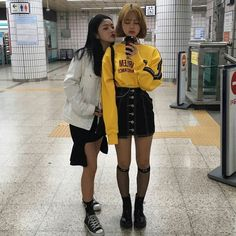 Korean fashion has been trending for many years, and it's for good reasons. With Korean's approach to outfits, accessories, and shoes, it is no doubt how many people search for Korean fashion trends for great looks. Fashion Guys, Grunge Fashion, Fashion Outfits, Womens Fashion, Fashion Ideas, Ootd Fashion, Fashion Hacks, Fashion 2017, Fashion Photo