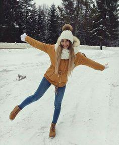 winter outfits christmas melhores looks de inv - winteroutfits Winter Outfits For School, Cute Winter Outfits, Winter Fashion Outfits, Autumn Winter Fashion, Fall Outfits, Casual Outfits, Outfit Winter, Winter Clothes, Snow Outfits For Women