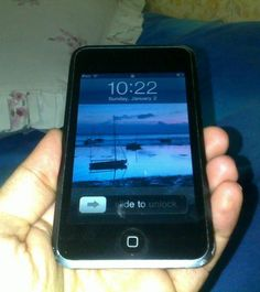 1339927861_401401399_9-Ipod-Touch-1g-8GB-Mint-Condition--.jpg (555×625)