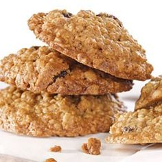 Gracie Mansion Oatmeal Raisin cookies via Martha Stewart