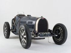 Bugatti Type 51 Grand Prix works racing car in the Bugatti Veyron, Bugatti Cars, Ferrari, Grand Prix Racing, Bugatti Models, Hispano Suiza, Volkswagen, Old Race Cars, Classy Cars