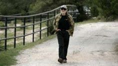 Willie Nelson walks down his driveway to join independent gubernatorial candidate Kinky Friedman for a news conference in Spicewood, TX. Willie Nelson, Pick Up, Kinky, Walks, Conference, Join, News