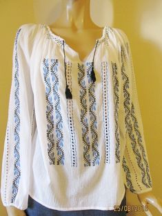 Hand embroidered Romanian blouse / hand made ethnic top size M Long Blouse, Dress Outfits, Ethnic, Bridal Dresses, Long Sleeve, Stuff To Buy, Costume, Clothes, Crafts