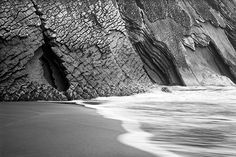 Piedra y arena. Playa de Itzurun. Zumaia. Basque Country. © Inaki Caperochipi Photography