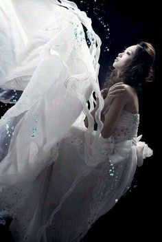 Underwater wedding dresses