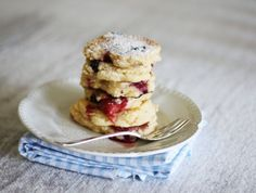 Mixed berry buttermilk pikelets