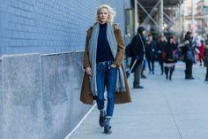 Pin for Later: Designer, Blogger und Stars liebten diesen Schuh bei der New York Fashion Week Loafer Schuh Trend 2016