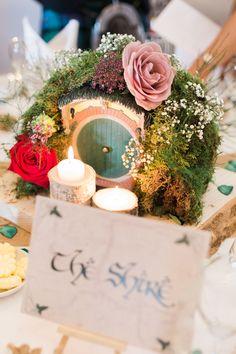 Solene & Adam's prettily styled Lord of the Rings wedding, with Gemma Giorgio Photography Geek Wedding, Fantasy Wedding, Wedding Art, Wedding Beauty, Wedding Themes, Our Wedding, Dream Wedding, Wedding Blog, Wedding Ideas