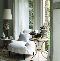 Corner Space, Room Corner, Cottage Interiors, Wingback Chair, Home Decor Inspiration, Accent Chairs, Decorating Ideas, Living Room, Interior Design