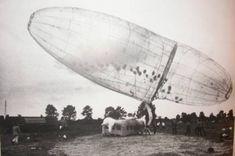 """""""Panamarenko wilde ooit echt gaan vliegen met de ballon, die 28 meter lang is en een diameter heeft van 6,5 meter"""", vertelt Huys. """"Hij vulde de zeppelin met ..."""