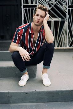 Find Mens Fashion at FashionBeans. The latest information, advice and tips about Mens Fashion in our men's fashion & style guide. Style Outfits, Casual Outfits, Men Casual, Outfit Hombre Casual, Sport Fashion, Fashion Tips, Fashion Design, Mens Fashion Blog, Latest Mens Fashion
