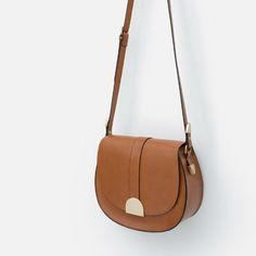 Image 4 of MESSENGER BAG WITH METAL FASTENING from Zara