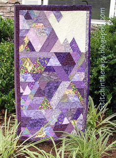 60-Degree Triangle Quilt - Source Tutorial can be seen at: http://magnoliabayquilts.blogspot.ca/p/60-degree-quilt-tutorial.html