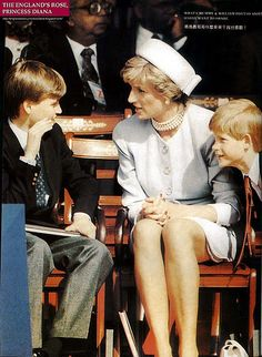 Diana w/ her boys. She always always seemed happiest when she was with them. Princess Diana Family, Princess Kate, Princess Of Wales, Diana Son, Lady Diana Spencer, Prince Harry And Meghan, Prince William, Role Models, Royalty