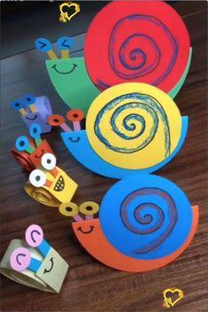 Kleurige slakken knutselen Vrolijke slakken van stevig papier in allerlei kleuren.<br>