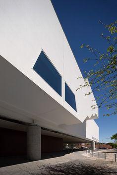 Galeria de Museu dos Coches / Paulo Mendes da Rocha + MMBB Arquitetos + Bak Gordon Arquitectos - 94