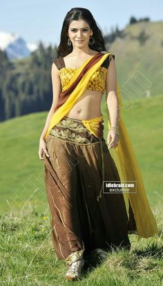 Sexy Samantha in Half Saree