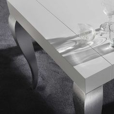 Modern extendable Table Timoteo particular top and leg