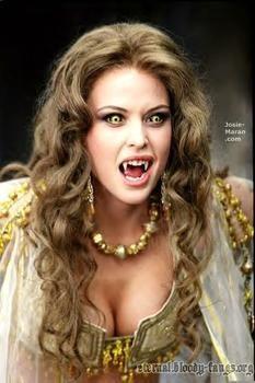 ✯..Marishka Dracula's Bride in Van Helsing..✯ conheçam o blog FASHIONISMO VAMP em www.redevampyrica.com/fashionismovamp