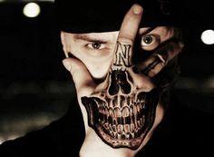Horror Hand Tattoo Gebiss 3D